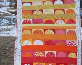 Drunkards Path Quilt Pattern PDF, Modern Sunset Quilt, Drunkard's Path Block pattern, charm pack pattern, curved piecing quilt pattern