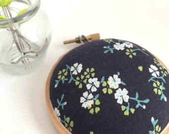Embroidery Hoop Pincushion: Navy Floral - Gifts for Mom. Needle Holder. Needle Minder. Sewing Accessory. Sewing Pin Holder