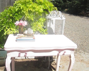 Desk  pink vintage table or desk  cottage romanticvintage shabby chic prairie