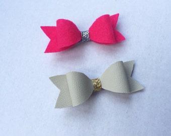Set of 2 Hair clip bows. Hair Bows.