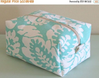 CHRISTMAS In JULY SALE Mint Makeup Bag  - Cosmetic Pouch -  Lunch Bag - Wet Bag -Waterproof Bag