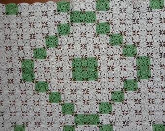 Runner Crocheted Medallions in Green & White - 2 Sizes Available