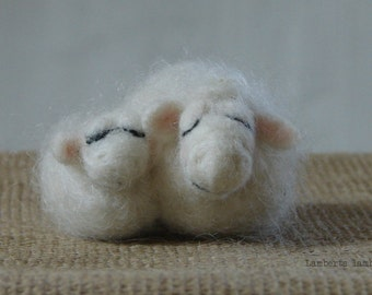 Felted Sheep. White Needle Felted Wool Sheep with lamb