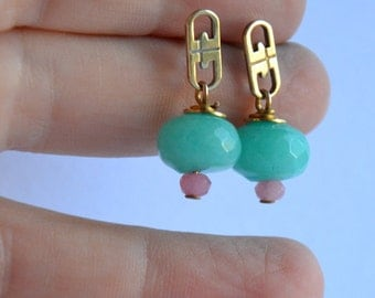 no.PE056_16. Green Faceted jade rondelle, pink faceted jade, vintage brass and sterling silver stud earring