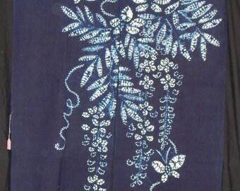 Noren - Japanese Traditional Split Doorway Curtain - Indigo & White Shibori Wisteria Pattern