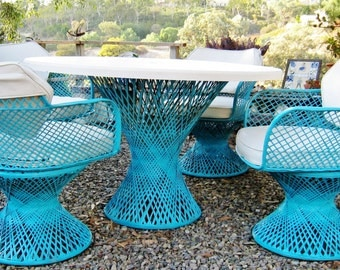 Mid Century Modern Vintage Russell Woodard spun fiberglass outdoor dining table and chairs
