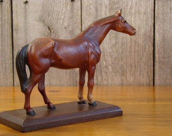 Cast in Bay - Vintage 1940s Mid-Size Hubley Thoroughbred Horse Statue on Wood Base