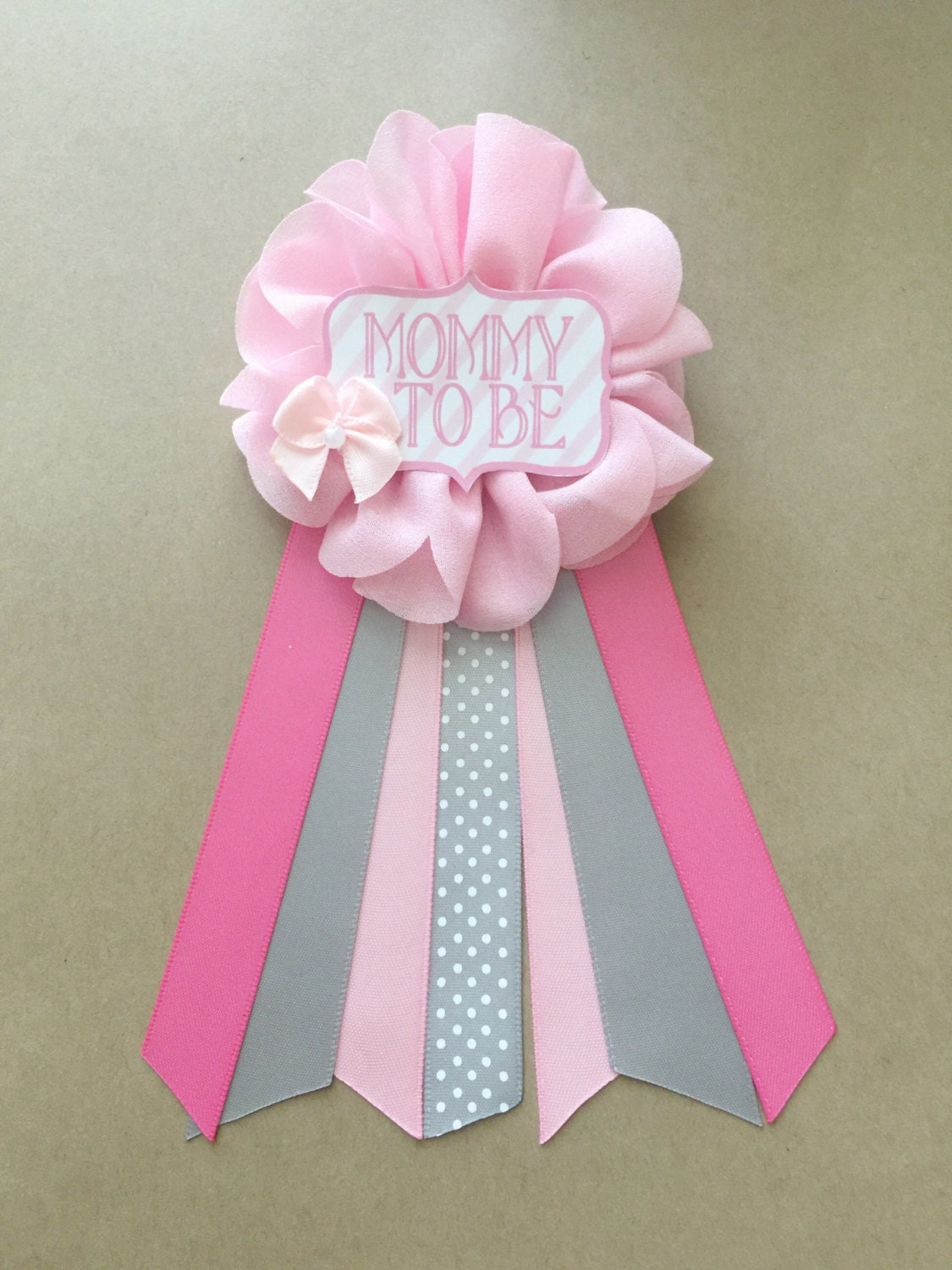 pink bow and gray baby shower pin mommy to be pin by afalasca