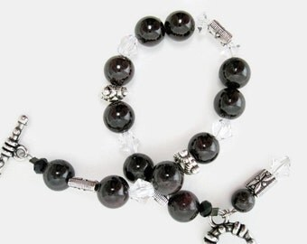 Garnet Bracelet handmade gemstone bracelet garnet jewelry beaded bracelet womens  jewelry January birthstone garnet jewelry gift for her