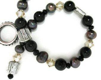 Black Pearl Bracelet beaded handmade jewelry womens bracelet gift for her Birthday pearl jewelry semi precious gemstone black bracelet
