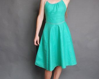 Vintage 3/4 small 1980s sleeveless knee length summer dress full skirt