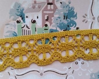 2 Yds Vintage Yellow Golden Rod Cluny Crochet Lace Trim