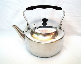 Vintage anodized aluminum kettle 2.5 liter Made in Russia 70s
