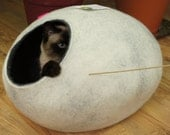 Cat bed/cat house/cat cave. From natural felted wool. Color snow grey. Size M. Made by kivikis.
