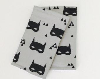 Teething suck pads for the Baby carrier Batman Mask | Batman | Babywearing | suckpads | Superhero suckpads