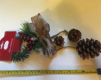 about 14 inch long door wall ornament, (HR49)