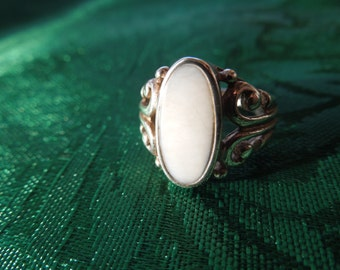 Vintage Silver Ring with Mother of Pearl, Size 5 1/2, in Nice Condition