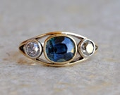 Fascinating Victorian 2.60 Ct no heat Ceylon sapphire old diamond trilogy ring