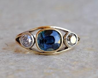 Fascinating Victorian 2.60 Ct no heat Ceylon sapphire old diamond trilogy ring