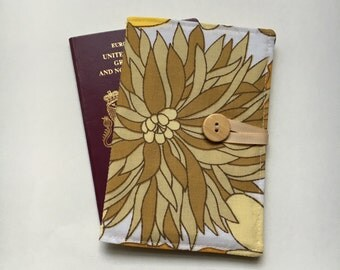 Passport cover case vintage flower 1970s fabric wooden button retro summer festival flowers