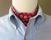 Vintage Silk Paisley Foulard Pattern on Red Background Trad / Ivy League Ascot / Cravatte.