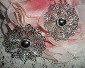 Vintage Signed Sarah Coventry Very Large Silver Tone Beautiful Lace Ruffled Flower Clip On Earrings Cabochon Center SARAHCOV 1960s Stunning!