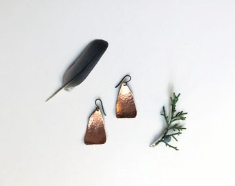 hammered copper earrings // organic triangle jewelry