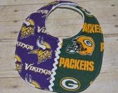 Wisconsin Green Bay Packers/Minnesota Vikings NFL House Divided Baby Bib