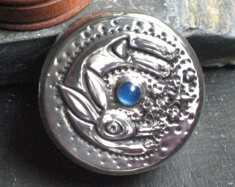 Tiny Box in Pewter with Hare and Blue Agate