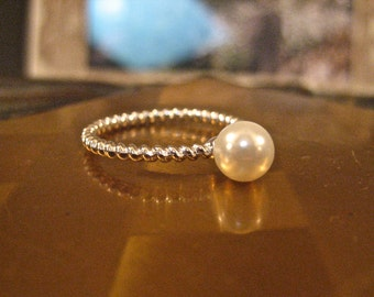 SALE Vintage 925 Sterling Silver Freshwater Pearl Solitaire Ring