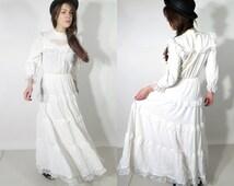 Vintage Bohemian Wedding Dress / Boho Wedding Dress / Hippie Wedding Dress Lacella Size 40