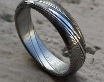 "Damascus ring Stainless steel Damascus 5.25mm dark etch""TRADITIONAL"" wood-grain patern (polished finish) ring!"