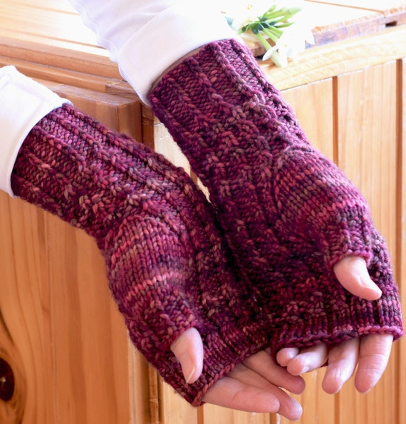 Knitting Pattern For Texting Mittens : Textured Rib Knit Texting Gloves Pattern - ARALUEN Fingerless Mitts Knitting ...