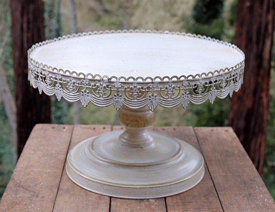 Vintage Cake Stands To Buy