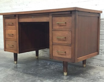 Mid-Century Modern 6- Drawer Walnut Desk ~ Great Mad Men / Eames Era Decor *SHIPPING NOT INCLUDED*