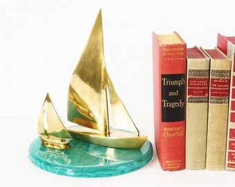 Pair Brass Sailboats Sailing Ships / Vintage Nautical Sea Ocean Office Décor / Mid Century Regency Traditional Gold Accents / Excellent
