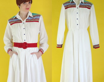 Vintage 80s Southwestern Dress - White Dress - Midi Dress - Tribal Print Dress - Full Skirt Shirt Dress with Pockets - Size Medium / Large