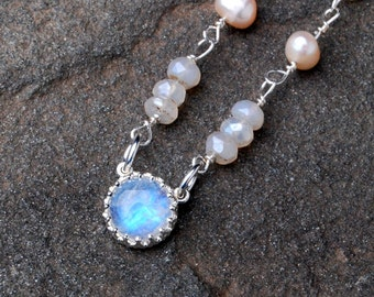 Rainbow Moonstone And Pearl Necklace- Chalcedony Necklace- Beaded Necklace- Chalcedony Jewelry- Moonstone Jewelry- Freshwater Pearl Jewelry