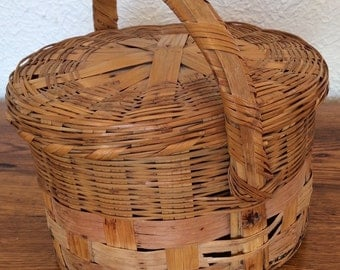 Vintage Wicker Woven Basket With Handle and Lid