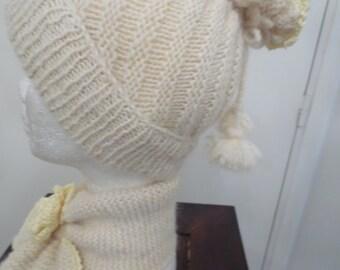 Ensemble VANILLE (bonnet + écharpe) tricotés en mohair et laine 6/8 ans ,  création Misty Tuss Tricote