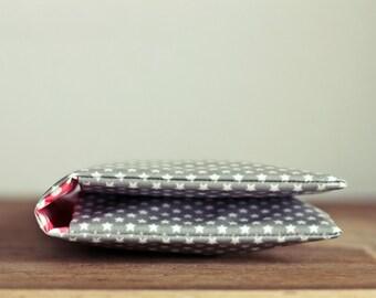 Windeltasche/ Diaper bag aus Wachstuch - grau mit sternen - Wickeltasche
