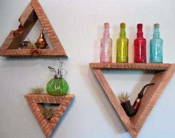 Triangle Wood Shelves Set 1
