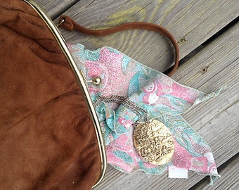 Vintage purse | Fawn suede evening bag with satin lining and kiss lock