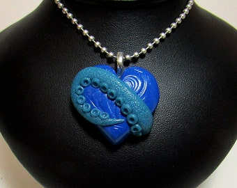 Tentacle Heart / Cthulhu heart / glow in the dark / morbid love gift/ polymer clay / sculpted pendant/ geek jewelry/ gothic jewelry/ Cthulhu