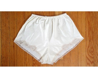 1960s Vintage Ivory Satin with Brushed Cotton Back Double Weave High Waisted Tap Shorts with Lace Trim