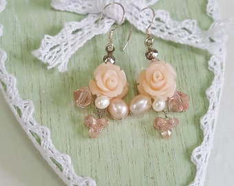 Bridal Earrings,Roses Earrings,Pearls Earrings,Wedding Jewelry,Flower Earrings,Flower Jewelry,Bridesmaid Jewelry handmade by CyShell.