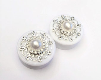 Diamanté Pearl Filigree Ear Plugs