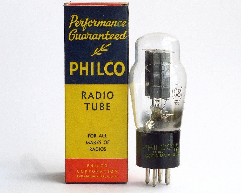 Royalty Free Stock Photo Vacuum Tubes Inside Old Radio  ponents Image36594925 in addition agtannenbaum as well Heathkit Sb 301 likewise File early 1920s radio and horn speaker additionally Vintage Retro Old Light Tubes. on old vacuum tubes for radios