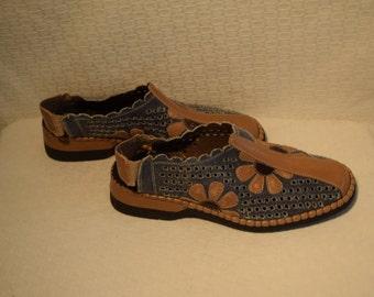 Denim Blue and Tan Leather Floral Applique Reiker Shoes - Women's 9 / Euro 41