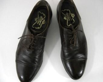 Vintage Men's Florsheim Lace-up Oxfords // Size 8.5 D